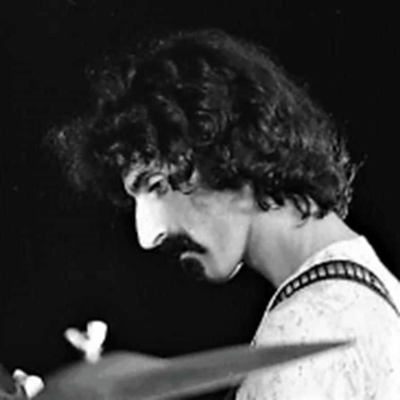 Frank Zappa. Frases célebres sobre cerveza.