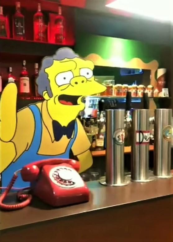 Moe de los Simpson